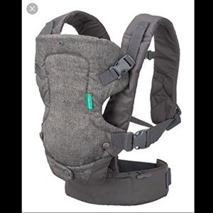 2 Baby Carriers Boba and Infantino